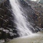Otra cascada en los prismas basálticos de huasca de ocampo