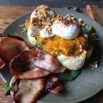 Scrumptious breaky options & great coffee. Get in quick to get a good seat, sometimes hard to fi