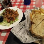 Weekend's Fast Food & Bar