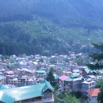 You look down you see the beautiful Manali town and looking up you see snow clad mountains