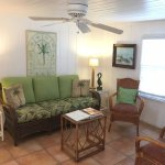 Pink Mango Cottage (Living Room)