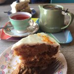 Pink Grapefruit tea with carrot cake and elderflower, apple and blueberry cake.