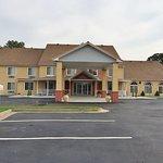 Foto de Americas Best Value Inn & Suites-Lake of the Ozarks