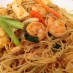 Singapore Rice Noodles w/Shrimp & Chicken (No Pork)