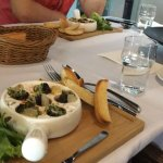 For those who loves Escargot, this is a Must order dish. Very good!!!