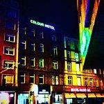 Colour Hotel Foto