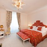 Photo of El Palace Hotel