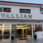 Vallian Village Hotel Photo