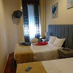 chambre 3 lits - très étroite