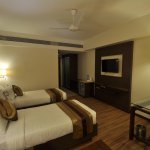 twin bed in dlx room