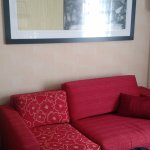 Sofa and decor - simple and complete