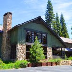 Stony Creek Lodge Bed & Breakfast with Market