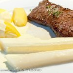 Hotel Dehren - Spargel with potatoes, rumpsteak and Hollandaise