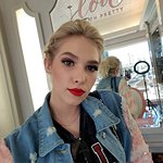 Lovely makeup application from Blushington.