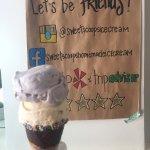Foto Sweet Scoops Homemade Ice Cream