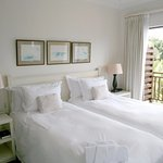 Luxury twin/double room with en suite bathroom
