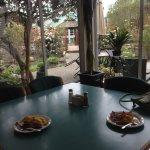 Foto de Gibsons Garden Hotel