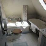 Hancock House Anna's Room Bathroom with Tub (3rd Floor)