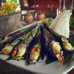 Pesan be pasih (grilled fish in banana leaves)