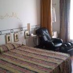 camera con poltrona massaggiante
