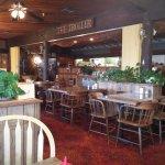 Troller Restaurant & Loungeの写真