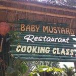 Baby Mustard Restaurant Foto
