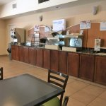 Photo de Holiday Inn Express Hotel & Suites Topeka North