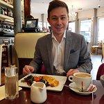 Photo de Cafe le Baron