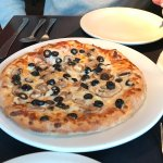 Small Pizza with black olives and mushrooms