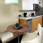 Hawthorn Suites by Wyndham Triadelphia Wheeling Area