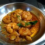 Fried prawns in garlic sauce