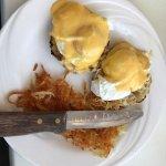 Eggs Benedict wth hash browns