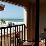 Photo de Surf Song Resort