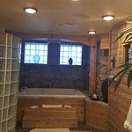 The Spa with Sauna,Jacuzzi tub and double shower. Just for you