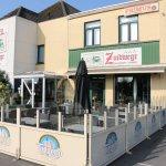 inkom hotel + terras café/taverne
