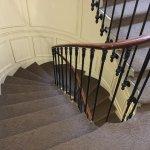 部屋横の螺旋階段