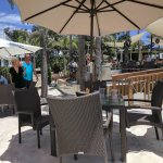 Bongos beach area seating