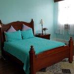 Jasmine Room - Queen Bed