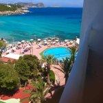 Photo de Fiesta Hotel Cala Nova