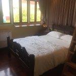 Photo de The Royal ThaTien Village