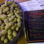 Foto de The Cellar Peanut Pub- Pella