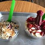 Berry Divine Acai Bowls照片