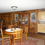 Photo de Acorn Bed and Breakfast at Mills River