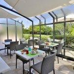 Terrasse véranda pour le petit déjeuner
