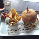 Cheese Burger & Chips