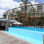 Pool, Pool bar & Hotel