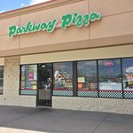 Exterior of Parkway PIzza, located in strip mall