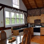 Split Level Chalet- full kitchen, private bath