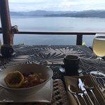Petit Dejeuner sur la terrasse du lodge