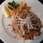 Saneh Beef Pad Thai